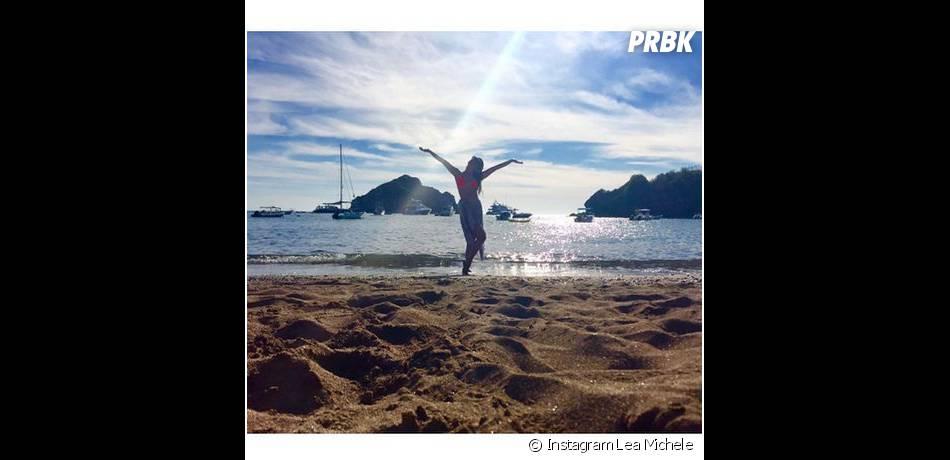 Lea Michele prend la pose pendant ses vacances au Mexique en janvier 2015