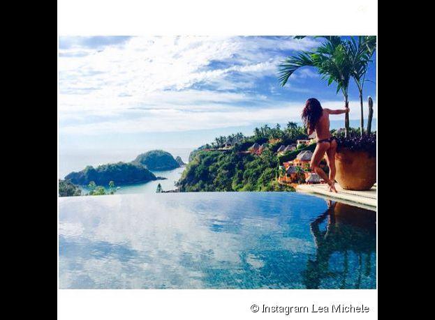 Lea Michele : topless et en string au Mexique en janvier 2015