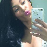 Ayem Nour : décolleté ultra sexy sur Twitter pour la nouvelle année