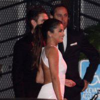 Selena Gomez en couple ? Photo main dans la main avec un DJ aux Golden Globes 2015
