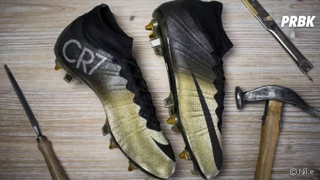 Cristiano Ronaldo : Nike lui offre des chaussures en diamants pour fêter son Ballon d'Or
