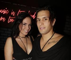 Kelly Hélard et Neymar, couple sexy pour la soirée des 25 ans de Hot Video au Titi Twister à Paris, le 27 novembre 2014