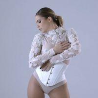 Clara Morgane : Eve, défilé de lingerie dans un clip 100% glamour et sexy