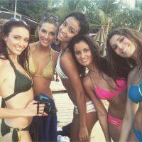 Malika Ménard, Laury Thilleman, Camille Cerf... le selfie le plus sexy de l'univers