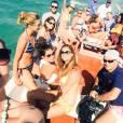Malika Ménard, Flora Coquerel, Laury Thilleman et Delphine Wespiser en bateau pour le voyage d'intégration de Camille Cerf, à Punta Cana