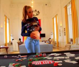 Vanessa Lawrens : après le bluff de sa grossesse, elle dévoile son faux ventre