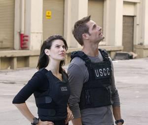 Intelligence : Josh Holloway et Meghan Ory sur une photo de la série
