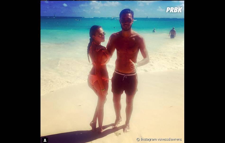 Vanessa Lawrens et Julien Guirado : couple sexy pendant des vacances au soleil