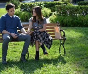 Pretty Little Liars saison 5, épisode 22 : Aria (Lucy Hale) et Ezra (Ian Harding) bientôt séparés