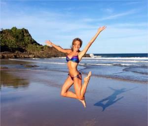 Elodie Fontan sexy à la plagesur Instagram
