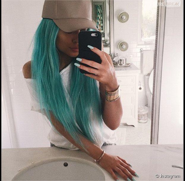 Kylie Jenner et ses cheveux bleus : nouveau look pour Coachella