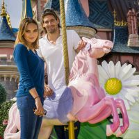 Camille Lacourt et Valérie Bègue à Disneyland : petite virée en amoureux chez Mickey