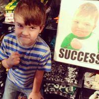 Success Kid : le bébé le plus célèbre du web veut aider son papa malade