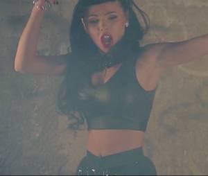 Niia Hall sexy dans son clip#Askiparait