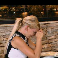 Amélie Neten (Les Anges 7) fond en larmes, Eddy a peur d'un string