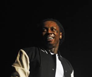 Lil Wayne : des coups de feu tirés sur son bus de tournée ?