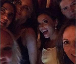 Brooklyn Beckham s'inscrute dans un selfie des Spice Girls avec Eva Longoria, le 2 mai 2015 au Maroc
