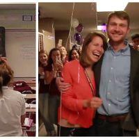 Trop cute : quand les élèves d'un lycée aident un professeur à demander en mariage sa copine !