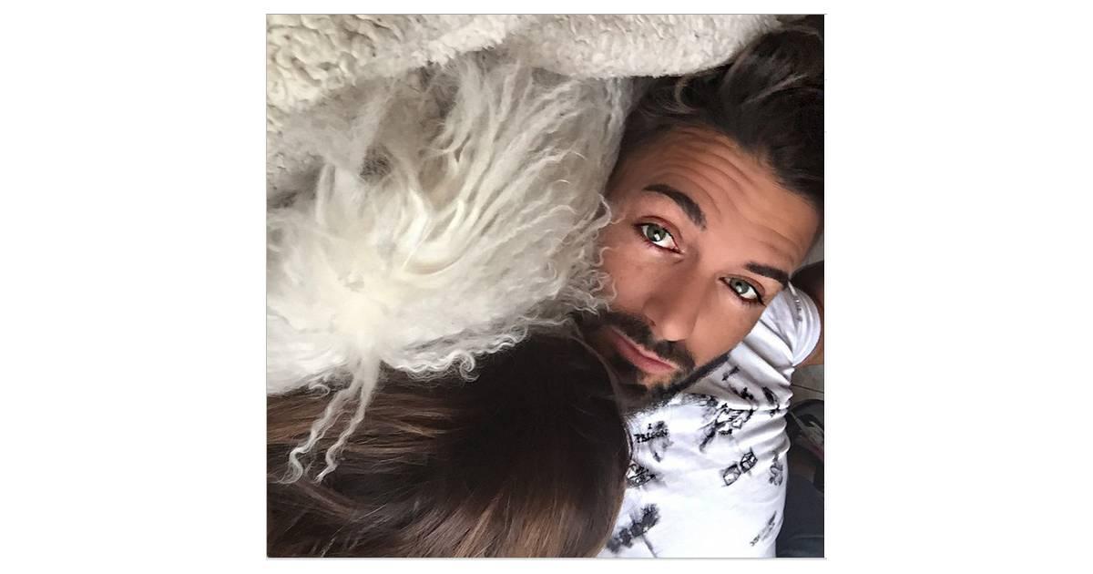 thomas vergara une photo au lit avec nabilla benattia d voil e sur instagram purebreak. Black Bedroom Furniture Sets. Home Design Ideas