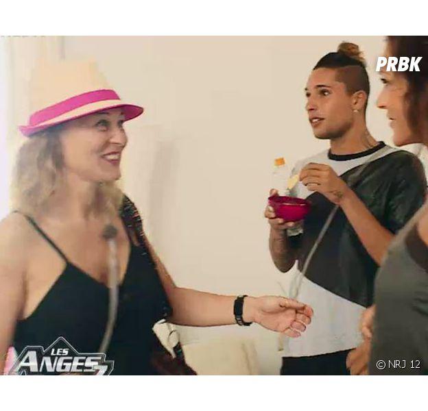Les Anges 7 : Corinne en guerre contre Julia dès son arrivée à la villa dans l'épisode 47 du 11 mai 2015, sur NRJ 12