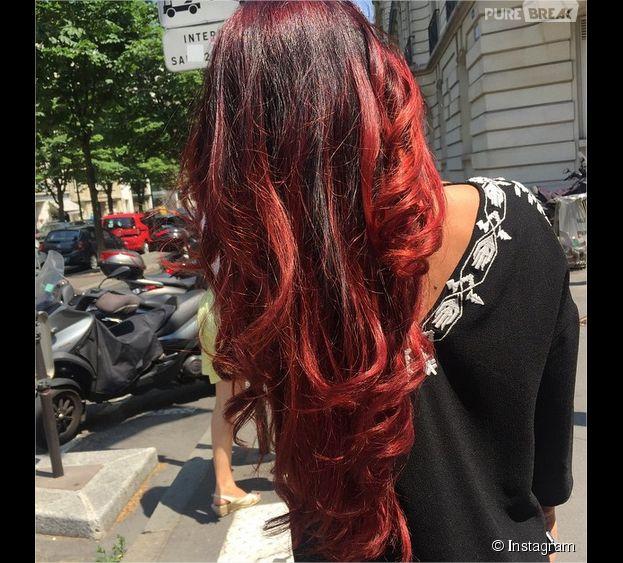 Ayem Nour : après le blond, place à la coloration rouge ?