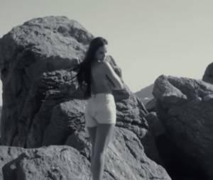 Cleofa (Las Vegas Academy) topless dans sa Lookbook video tournée pendant le Festival de Cannes 2015