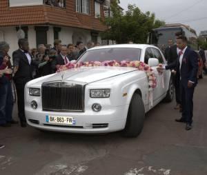 Raphaël Varane et Camille Tytgat : une belle voiture pour leur mariage au Touquet, le 20 juin 2015