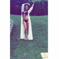 """Capucine Anav """"en flip total"""" : son angoisse dévoilée sur Instagram"""