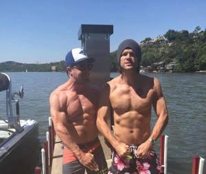 Stephen Amell : le sexy héros d'Arrow se met torse nu pour la bonne cause