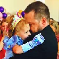 Des parents géniaux organisent un incroyable anniversaire pour leur fillette gravement malade