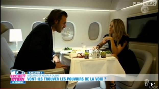 Secret Story 9 : Mélanie et Kevin dans l'avion pour Dubaï