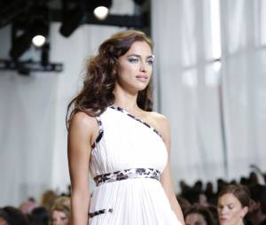 Irina Shayk défile à New York pour la Fashion Week en septembre 2015