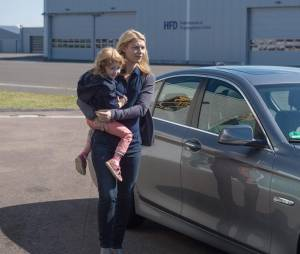 Homeland saison 5 : Carrie et sa fille sur une photo