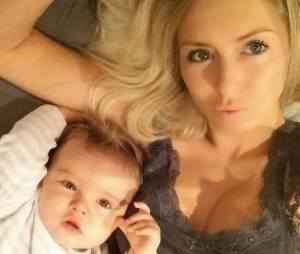 Stéphanie Clerbois prend la pose avec son fils Lyamsur une photo Instagram
