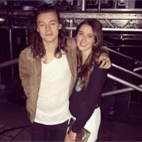 Harry Styles pose avec son amour d'enfance après un concert