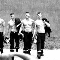 Calendrier des Pompiers 2016 : les coulisses sexy qui mettent le feu !