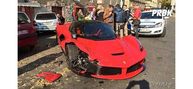 il crashe sa Ferrari juste après l'avoir réceptionnée