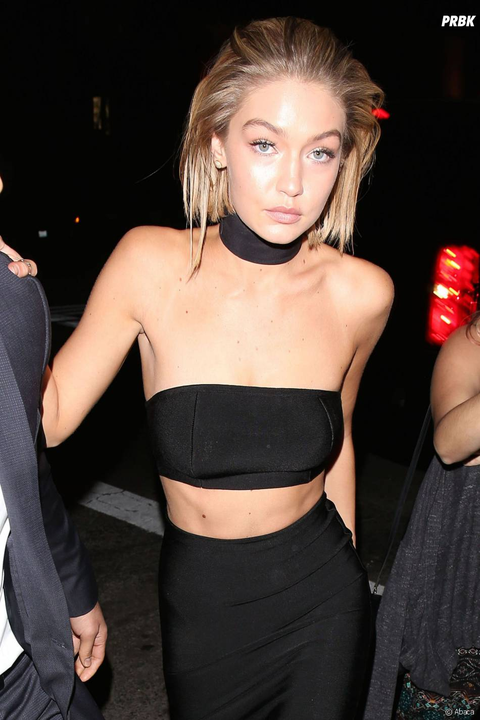 Gigi Hadid hot sur le tapis rouge des American Video Awards 2015 à Los Angeles, le 22 novembre 2015