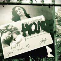 Jenifer, Elodie Frégé... les stars en colère après la destruction d'une expo contre l'homophobie