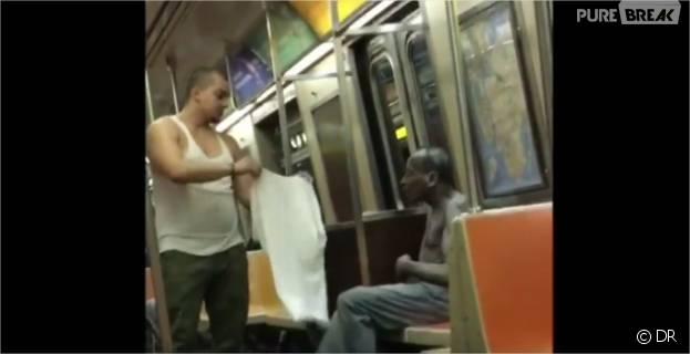 Il donne son t-shirt à un SDF dans le métro : la vidéo fait le buzz