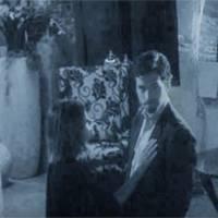 Pretty Little Liars saison 6 : Aria et Ezra déjà proches... et accusés de meurtre ?