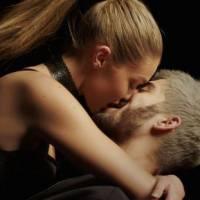 Zayn Malik : découvrez le clip sensuel de Pillow Talk avec Gigi Hadid
