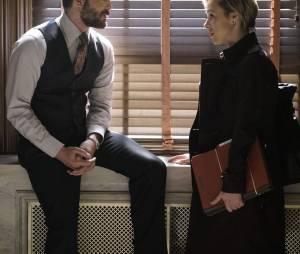 How To Get Away With Murder saison 2, épisode 11 : Frank (Charlie Weber) et Bonnie (Liza Weil) sur une photo