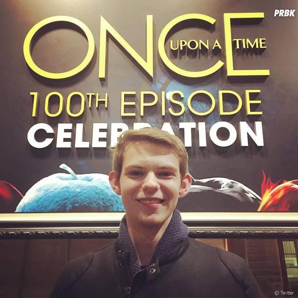 Once Upon a Time saison 5 : Robbie Kay à la soirée pour le 100ème épisode le 21 février 2016