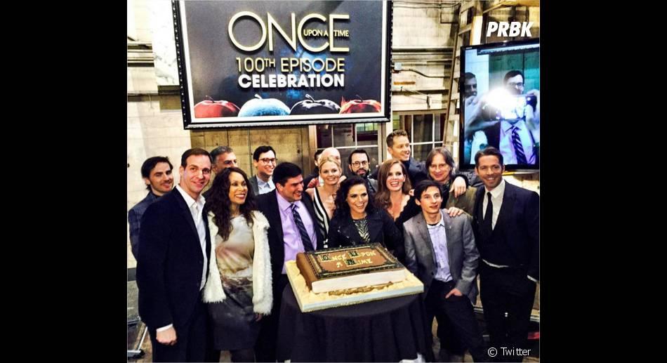 Once Upon a Time saison 5 : les acteurs réunis à la soirée pour le 100ème épisode le 21 février 2016
