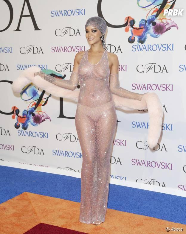 15 fois où les stars ont complètement craqué sur le tapis rouge : Rihanna