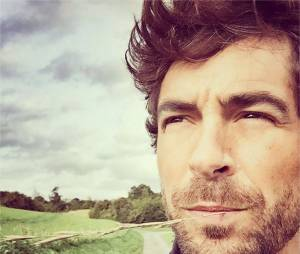 Agustin Galiana (Clem) : les photos sexy de l'interprète d'Adrian
