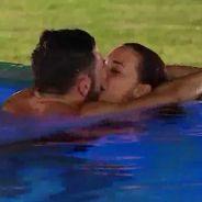 Stéphanie (Les Marseillais South Africa) et Clément : premier baiser du couple