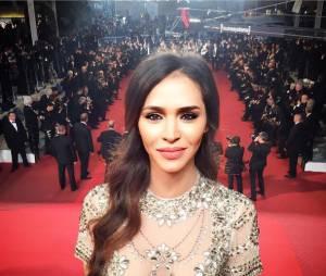 Leila Ben Khalifa glamour pour sa première montée des marches à Cannes le 16 mai 2016