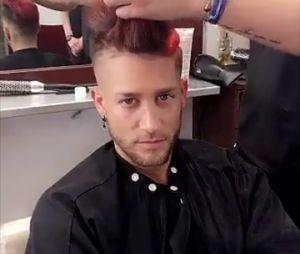 Un petit tour chez le coiffeur pour Paga
